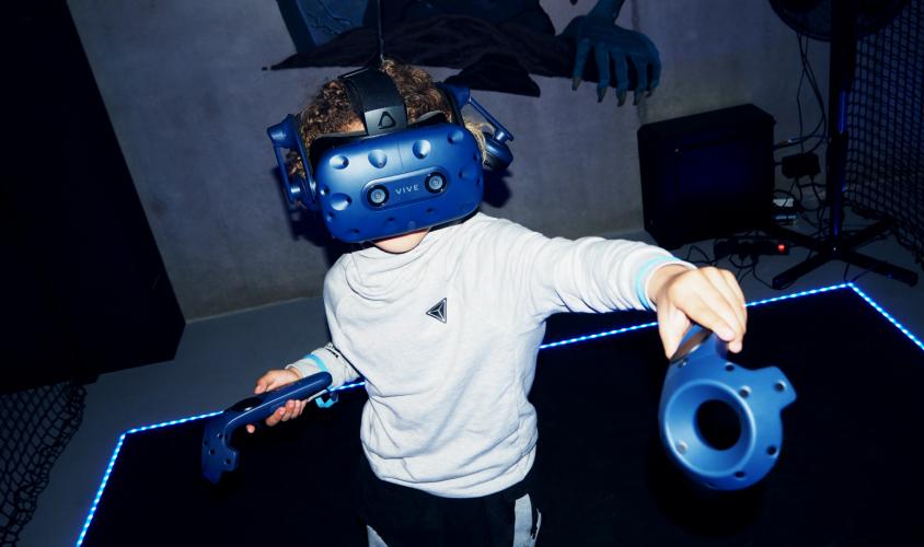 Virtual Reality Park 65